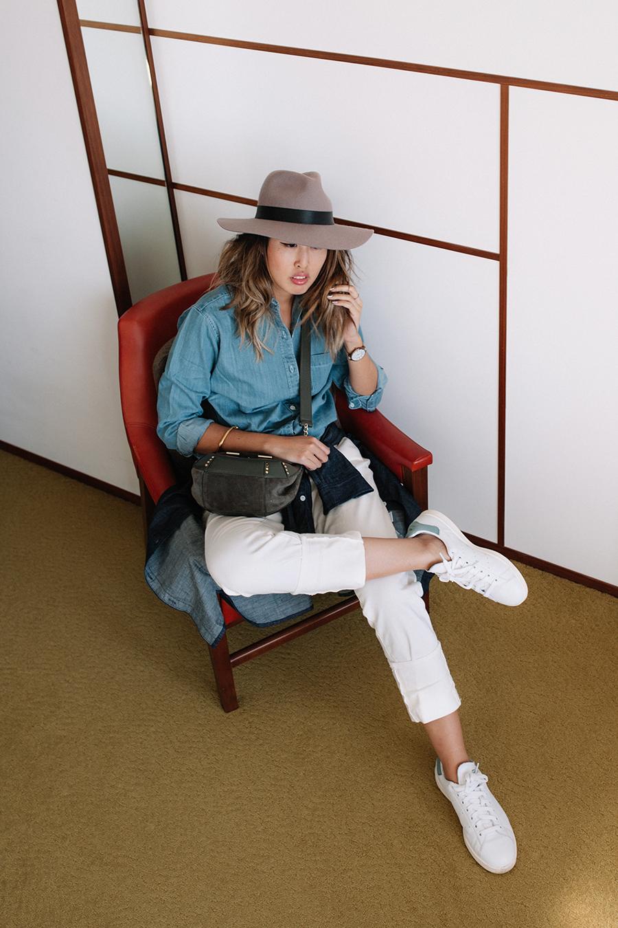 Nikki Cox picture